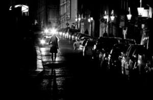 femme-seule-nuit