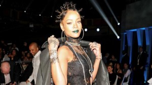 iheartradio-music-awards-2014-rihanna-ghetto