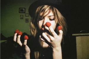 eating-girl-raspberries-rock-Favim.com-138859