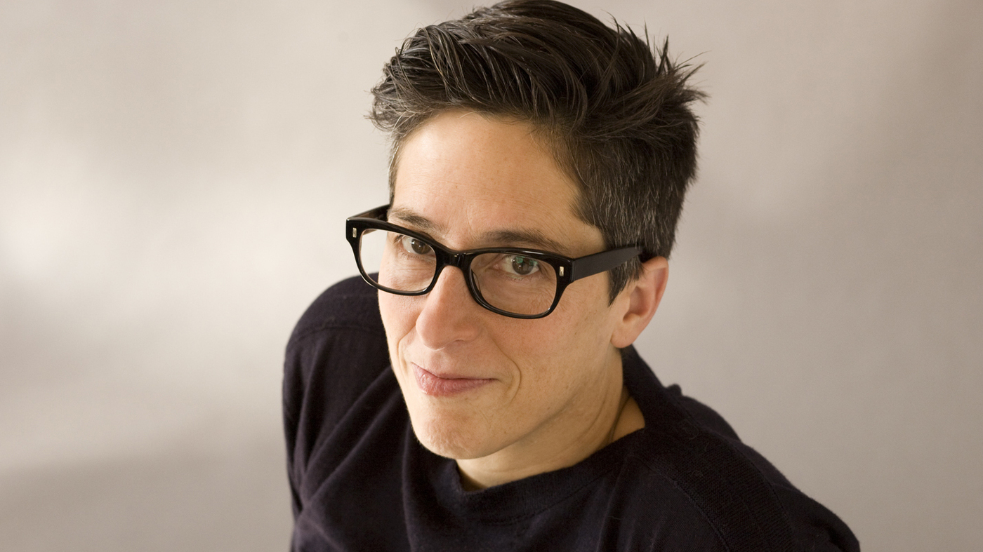 alison-bechdel-photo-credit-elena-seibert