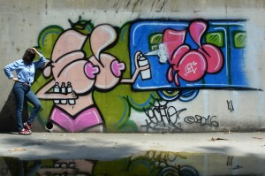 LE_girlsaregraffitiwriters_1