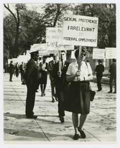 Barbara Gittings at Third White House picket, 1965.  Credit : Kay Tobin Lahusen